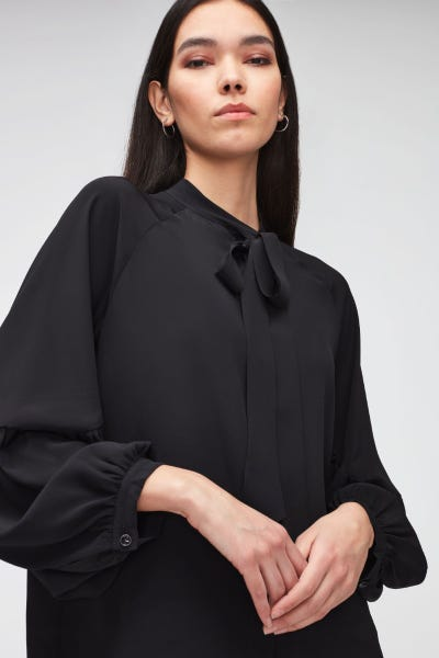BOW TIE NECK RAGLAN BLOUSE SILK BLACK