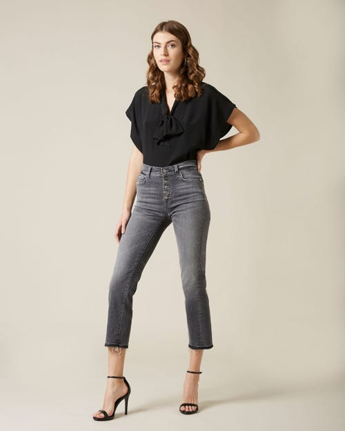 THE STRAIGHT CROP SOHO GREY WITH EXPOSED BUTTONS AND RAW CUT